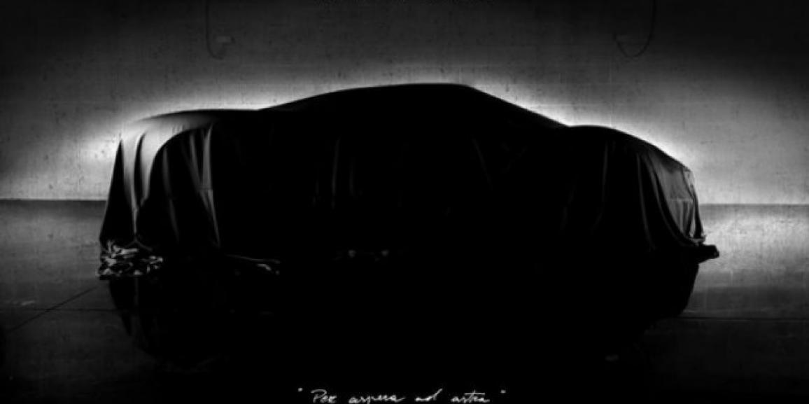 Pilota di rally guida l'auto da un milione di Euro